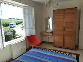 Appartement-3- Chambre 2 personnes avec lavabo - Plage de Kervel