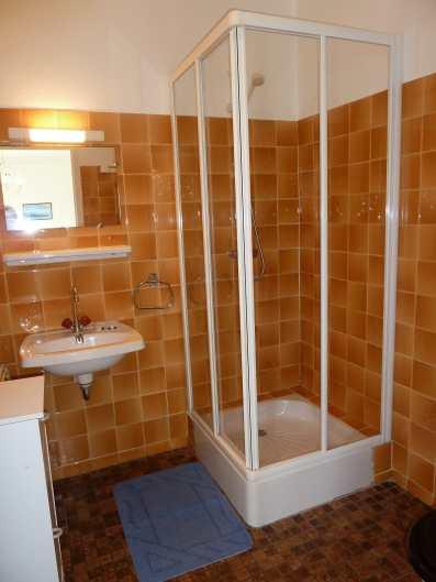 Appartement-7- Salle de bain avec WC