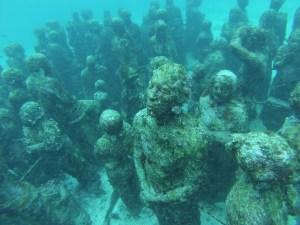 Statues, an amazing underwater art exhibit.