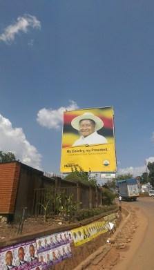 Wahlwerbung für Museveni an jeder Straßenecke