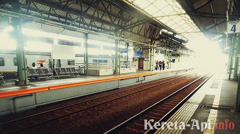 Jadwal Kereta Api Rute Surabaya Jakarta Lengkap Pp Info Kereta Api