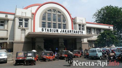 Stasiun Jakarta Kota - en.wikipedia.org