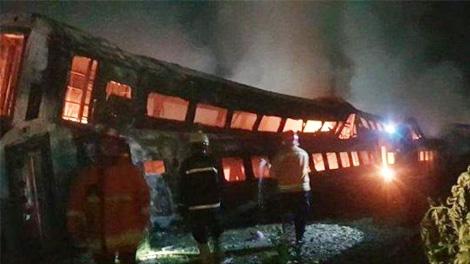 Kereta terbakar