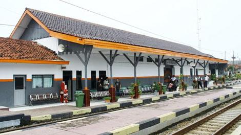 Stasiun Haurgeulis - railfansid.fandom.com