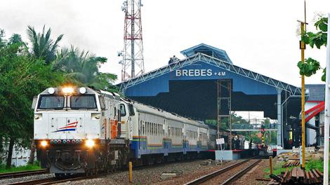 Stasiun Brebes - id.pinterest.com