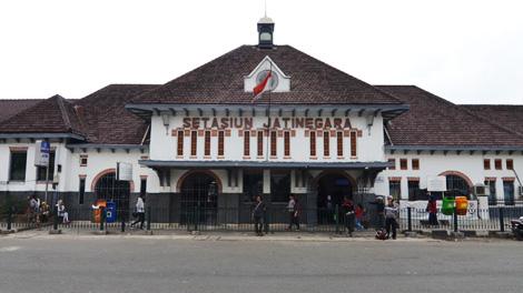 Stasiun Jatinegara - heritage.kai.id