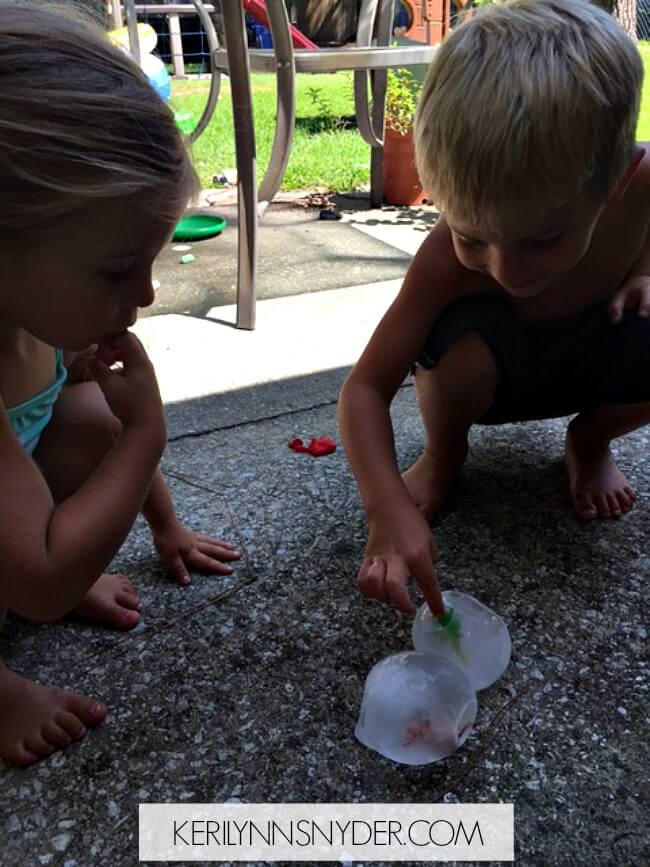 An easy summer activity perfect for your kids! Learn how to make ice eggs with these simple steps.