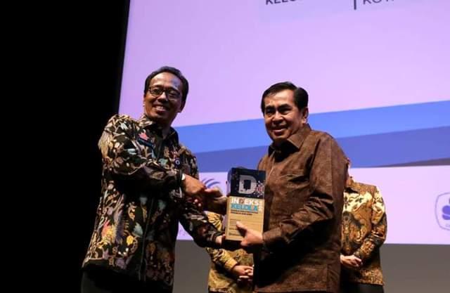 Photo of AJB Terima Penghargaan Kinerja dan Pengelolaan APBD