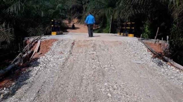 Photo of Diduga Dinas PUPR Muaro Jambi Bangun Infrastruktur dalam Kawasan Hutan Kabupaten Batanghari