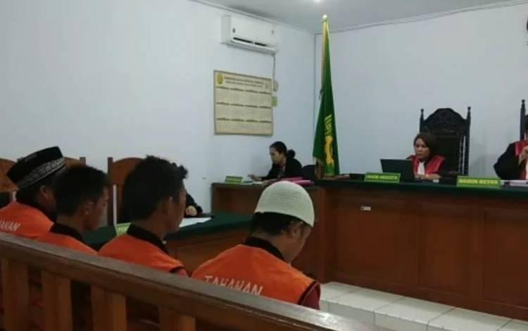 Photo of Empat Pencuri di Jambi Timur Dihukum 2 Tahun Penjara