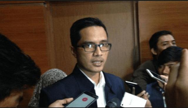 Photo of Ketua DPRD Tebo Diperiksa KPK, Terkait OTT Ketok Palu Jambi