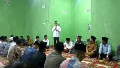 Photo of Ketua DPRD Sungai Penuh Serahkan Bantuan Untuk Musholla di Pesisir Bukit