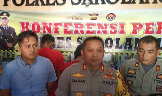 Photo of Dua Rampok Todong Pakai Senpi, HP dan Motor Korban Dibawa Kabur