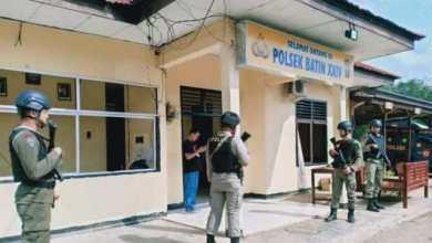 Photo of Pasca Wafatnya Ketua DPC PPP Batanghari, Massa Rusak Mako Polsek