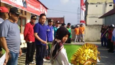Photo of Hut RI ke-74, Ketua DPRD Sungai Penuh Jalan Santai Bersama Warga di Persisir Bukit