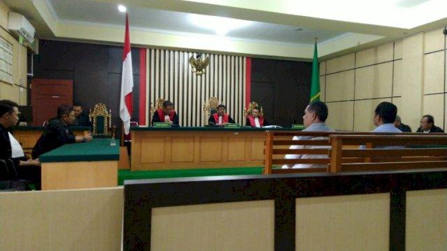 Photo of Korupsi Proyek Irigasi, Kadis PU Sarolangun Dituntut 1,5 Tahun Penjara