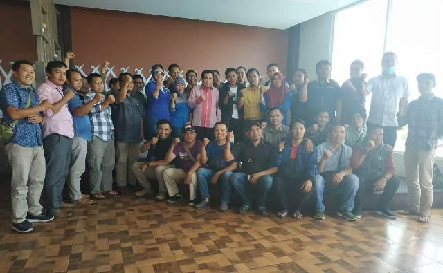 Photo of Diskusi Dengan Wartawan, AJB Sampaikan Alasan Mendasar Maju di Pilgub Jambi