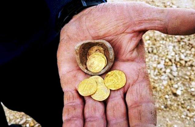 Photo of Arkeolog Israel Temukan Dinar Emas Khalifah Harun Al-Rasyid