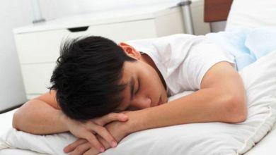 Photo of 5 Masalah Kesehatan Akibat Kebiasaan Tidur Miring dan Tengkurap