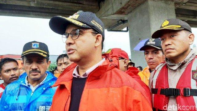 Photo of Anies Baswedan Sebut Bertanggung Jawab Menangani Banjir