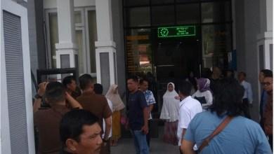 Photo of Tiga Tersangka Kasus Bencal Kerinci Diberangkatkan ke Jambi