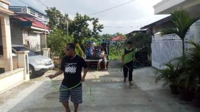 Photo of Warga RT. 16 BTN Tiara Hidayah Sungai Ulak Swadaya Semprot Desinfektan