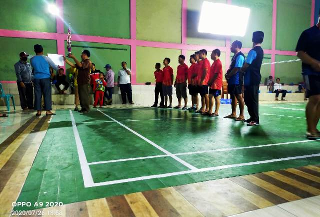 Photo of PB Pancuran Tiga Juara Final Turnamen Badminton Aliansi Mahasiswa Tanjung Pauh