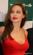 angelina-jolie-photos-in-red-dress-15