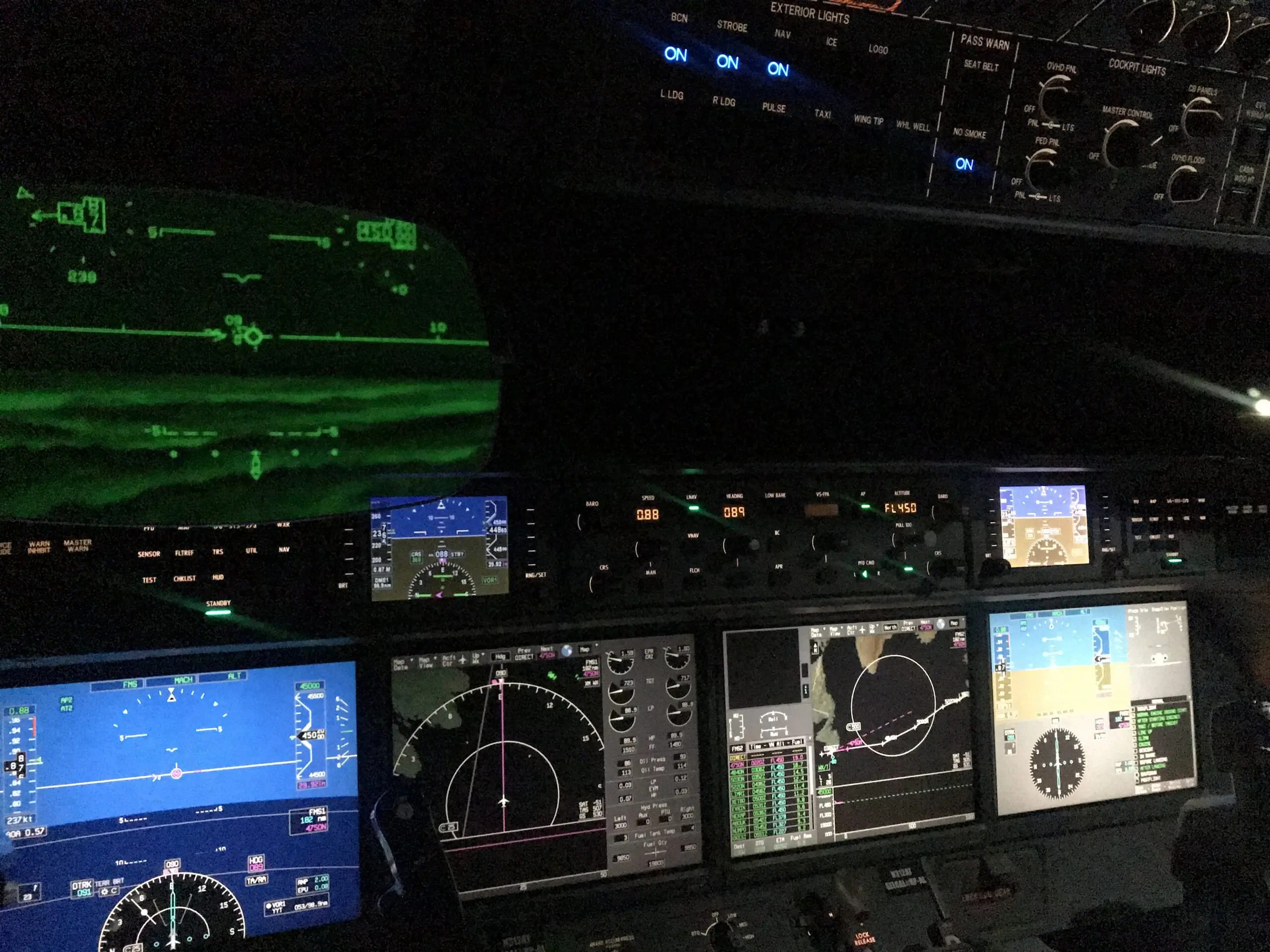 Gulfstream G650 pilot view during flight to Europe