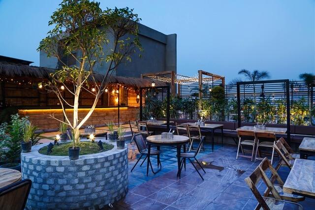SkyHouse, Logix Mall, Noida
