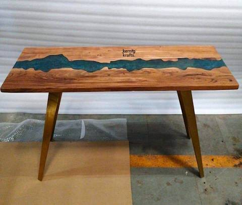 Resin Table Kernig Krafts. solid wood furniture