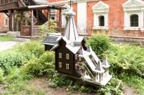 Very large & fancy Birdhouse