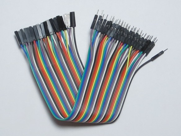 Short male-to-female ribbon cable using Dupont connectors