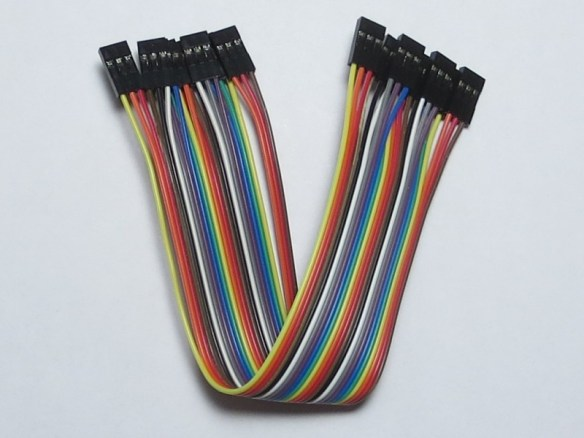 Short female-to-female ribbon cable using 3-wire Dupont connectors