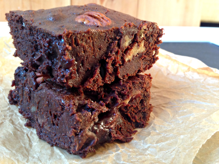 These Pecan Mocha Chocolate Brownies are SO squidgy and full of espresso and pecan flavour!