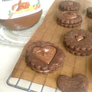 Nutella Dodgers {Nutella Sandwich Cookies}