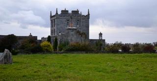 Kilcolgan Castle photo by Cliff Hackel
