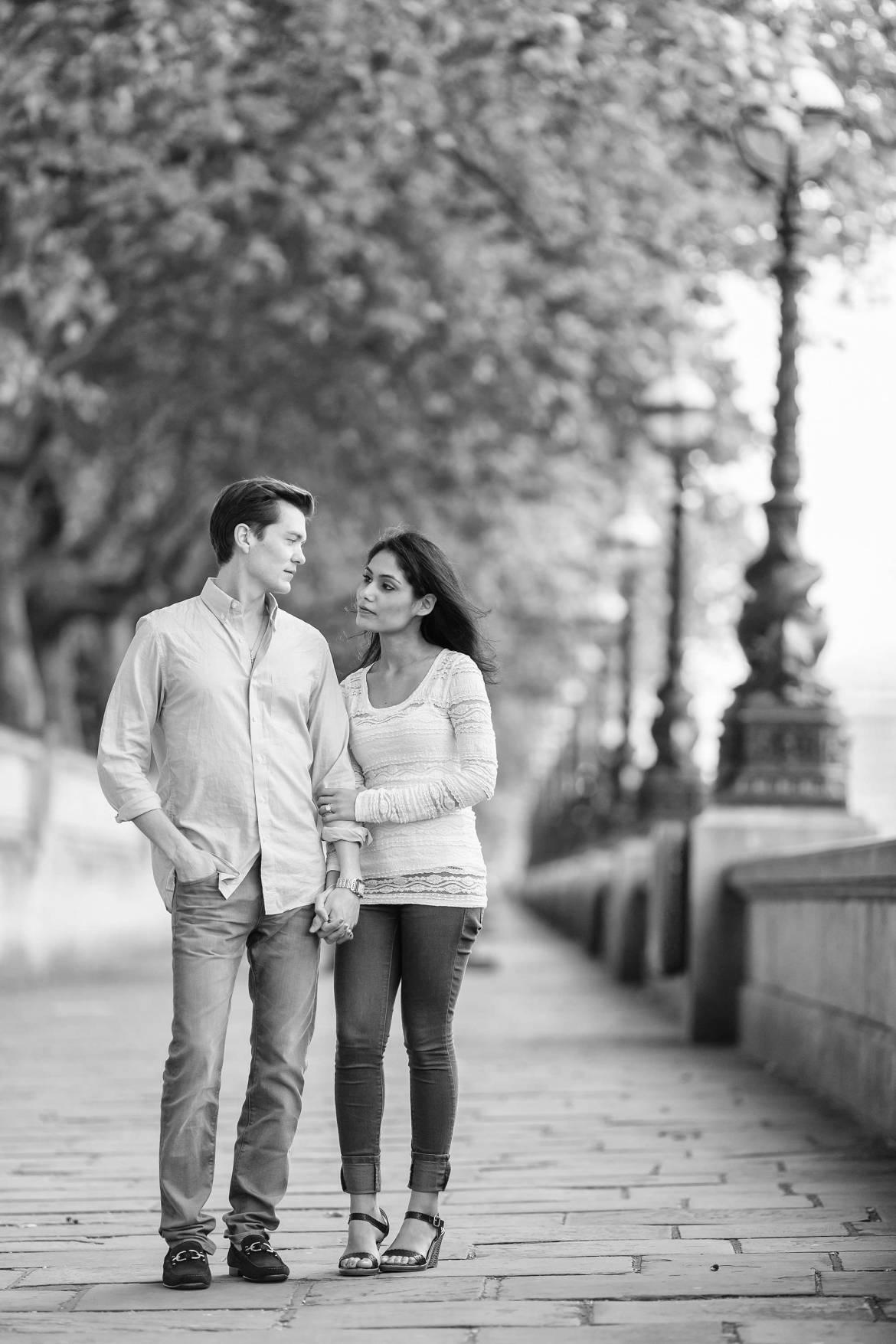 romantic London engagement shoot