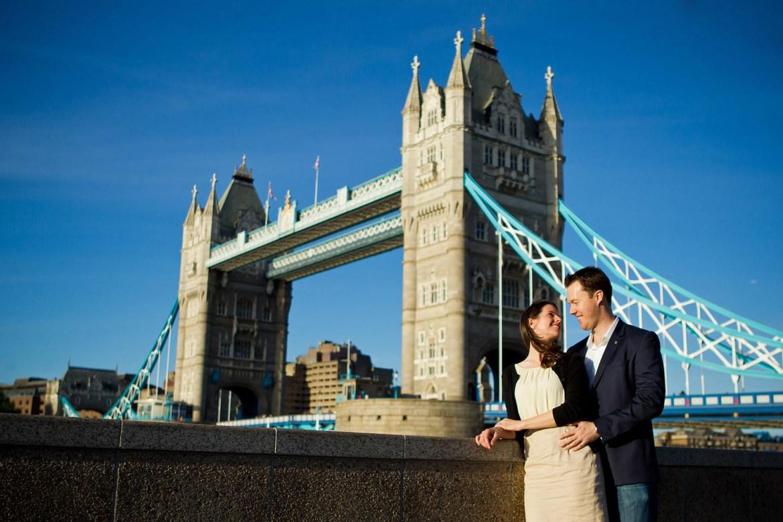 tower bridge engagement shoot