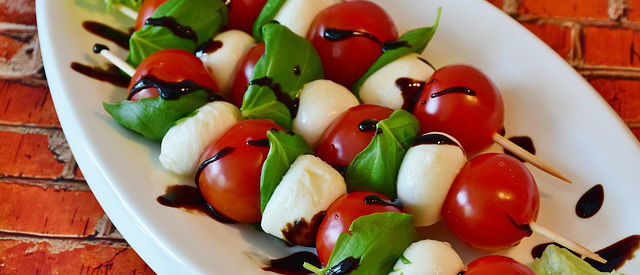 mozzarella tomaat spiesjes
