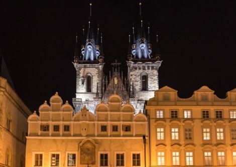 07D Prag, Tschechien, Czech Republic, sightseeing, night, city, christmas market, burger, icebear