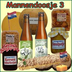 Kerstpakket man 3 - Streekpakket gevuld met echte lokale streekproducten voor mannen - Relatiegeschenk Specialist - www.kerstpakkettencadeaubon.nl