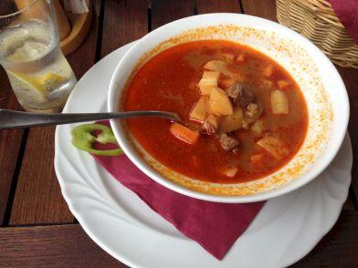 gulyás soup