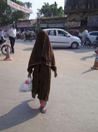 varanasi-india-asia-varanes-street-photography-kersz-08