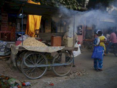 varanasi-india-asia-varanes-street-photography-kersz-14