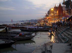 varanasi-india-asia-varanes-street-photography-kersz-25