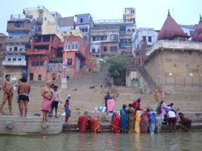 varanasi-india-asia-varanes-street-photography-kersz-38