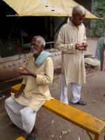 varanasi-india-asia-varanes-street-photography-kersz-56