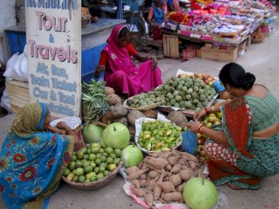 varanasi-india-asia-varanes-street-photography-kersz-75