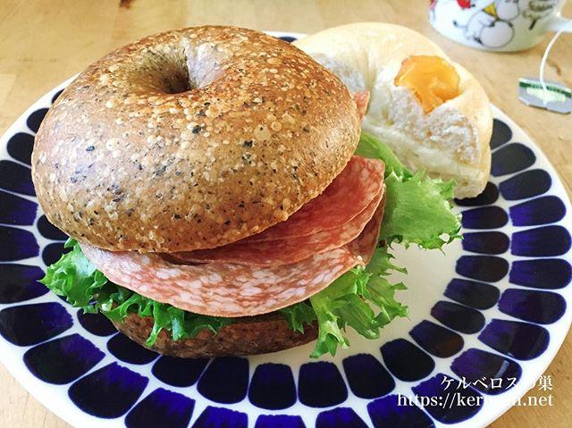 バニトイベーグルのベーグルでサンドイッチの朝ご飯
